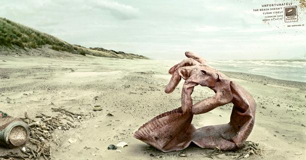 Плакат SurfRider Foundation: К сожалению, пляжи не смогут очистить себя сами