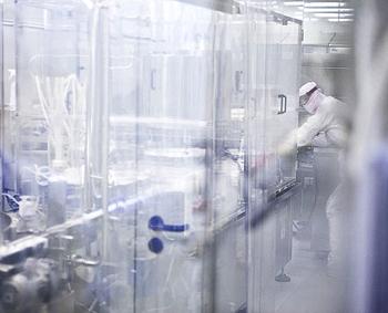 Аква Марис сохраняет природные соли и микроэлементы морской воды благодаря ультрафильтрации воды и стерильности производства